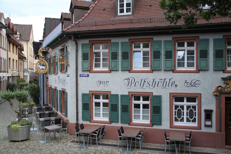 wolfsh hle restaurants bars in freiburg. Black Bedroom Furniture Sets. Home Design Ideas